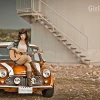 Girl x Mini