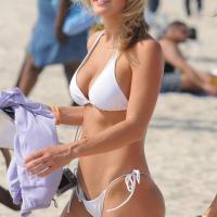 Napi bikinis csaj – Bejön a forma
