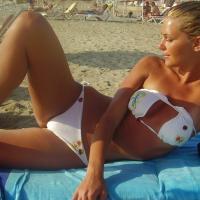 Napi bikinis csaj – Szexi szőke