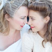 Napi leszbik – Retró leszbi esküvő