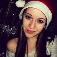 Karácsonyi csaj – Like ha tetszik